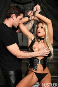 Teagan Priestley geilt op BDSM sex