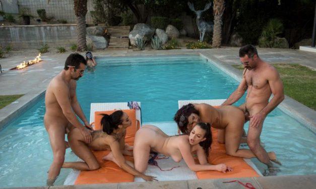 Lily Love en Gia Vendetti, hebben een geile orgie bij het zwembad