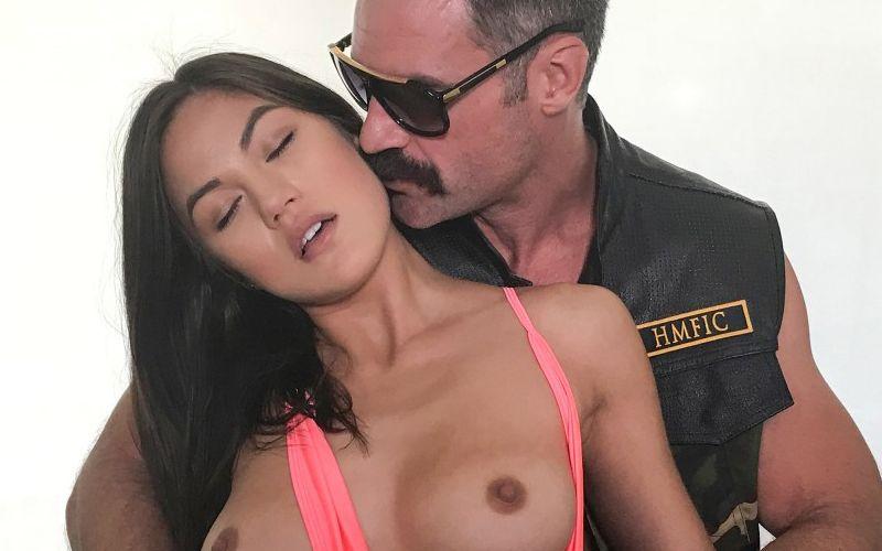Kendra Spade, jonge Aziatische vrouw heeft sex met oudere man
