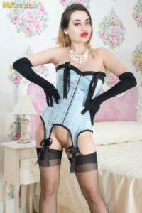 Gabriella Knight, sexy lingerie en grote borsten