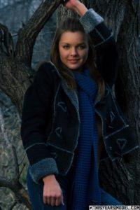 Michelle Jean, in de winter in het bos