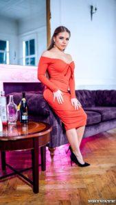 Alessandra Jane, stijlvolle rijke vrouw