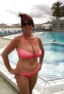 Grote tieten in bikini
